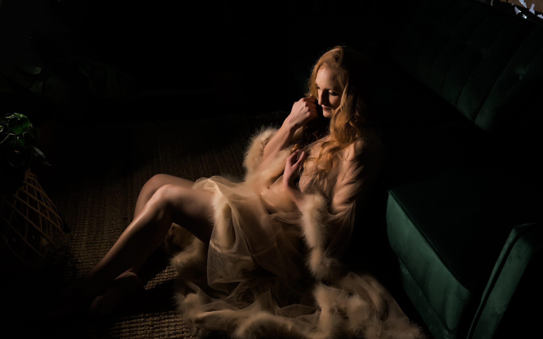 fort wayne boudoir photo of girl sitting on the floor